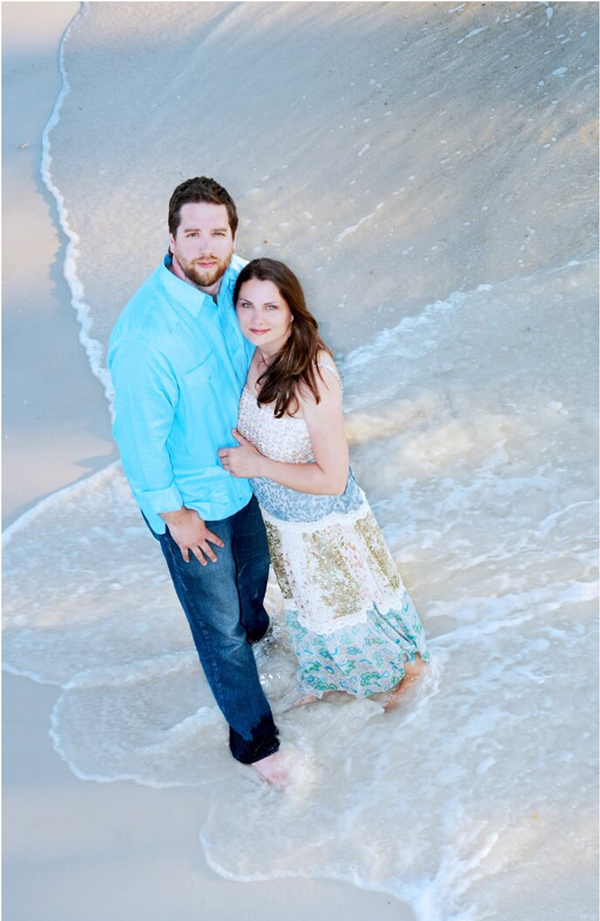 Casual, coloured Guayabera for a couple portrait at the Beach